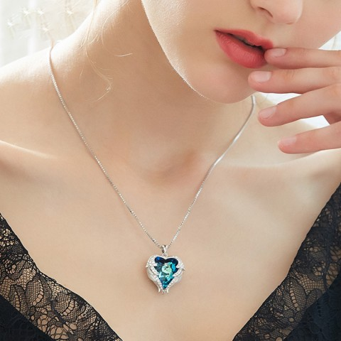 Kalung kristal hati samudera